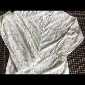 """Fruit Themed Pajama Set-new no tags"